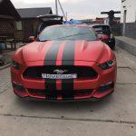 Поклейка плівкою(червоний мат) Форд мустанг